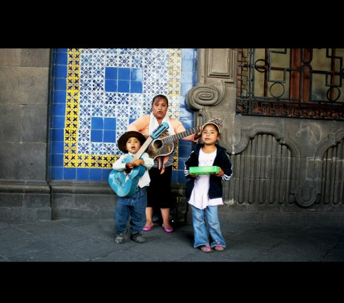 25_Mexican Family